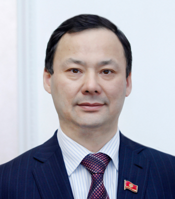Руслан Казакбаев