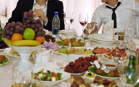 prezident-tadzhikistana-prizval-k-ekonomii-i-skromnosti-v-idi-kurbon_1